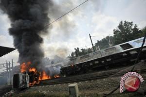 Kereta tergelincir lukai banyak orang di Long Island,New York
