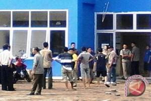 Warga Muba protes kebijakan Camat Lawang Wetan