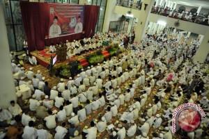 10.000 orang pilih tahun baru di masjid