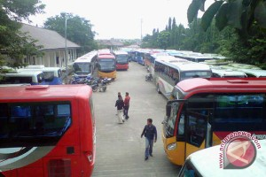 Kemenhub serahkan 100 bus di Palembang bantuan transportasi atlet