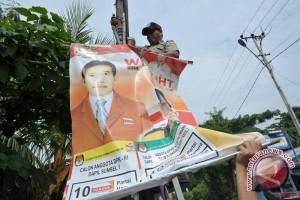 Atribut kampanye di Baturaja semakin marak