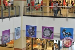 Seniman Palembang gelar karya lukisan di mall