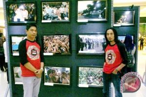 Warga minati pameran foto jurnalistik di PIM