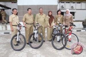 PNS Pemkab Muba terima hadiah sepeda