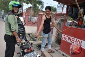 Kota Baturaja terjadi kelangkaan premium