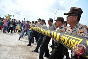 Aksi unjuk rasa banyak langgar UU