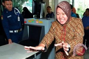 Trik Wali Kota Surabaya kuatkan keluarga korban ledakan bom