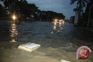 Sejumlah jalan di Padangpariaman terendam banjir