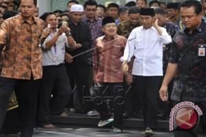Jokowi berdoa bersama 10.000 orang di Ancol
