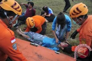 Anggota polwan korban kecelakaan alami patah tulang
