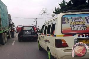 Sopir angkot Palembang tolak transportasi daring