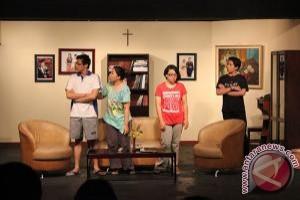 """Alumni Petra siapkan pementasan """"Evita"""" selama setahun"""