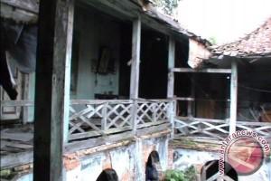 Rumah tua di kampung Kapitan terancam roboh