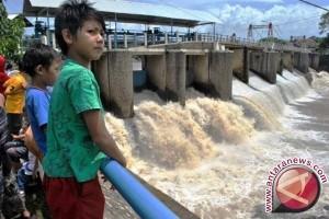 Perjuangkan waduk antisipasi krisis air bersih