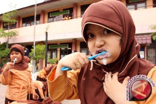 Ribuan Pelajar dilatih menyikat gigi yang benar