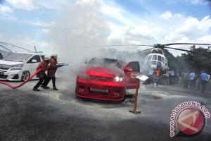 Kebakaran Mobil Kontes