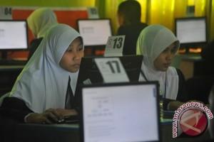 Ribuan lulusan SMA di Sumsel ikuti UN perbaikan