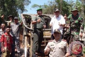 TNI bangun jalan terisolir di Kota Lubuklinggau