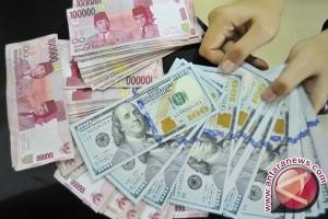 Dolar bervariasi di tengah peluncuran rudal Korut