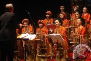 Konser Angklung pukau masyarakat Eindhoven