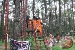 Pengelola Hutan Wisata Punti Kayu berbenah