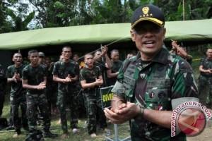 """Tiga panglima angkatan bersenjata tandatangani prasasti """"MCC"""""""