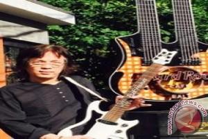 Gitar raksasa pantai kuta diganti model balawan