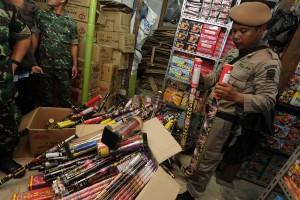 Satpol-PP Pekanbaru diminta tertibkan pedagang petasan