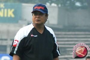 Pelatih Arema Cronus Suharno meninggal dunia
