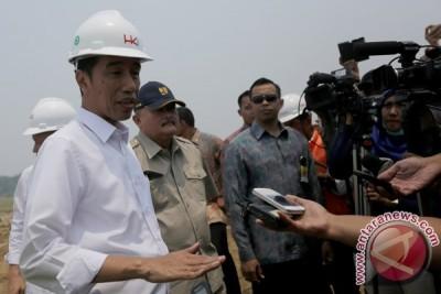 Presiden Jokowi perintahkan bandara-bandara kecil segera diperluas