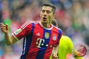 Lewandowski sumbang 2 gol saat Bayern kembali menang