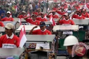 HUT TNI Palembang dimeriahkan ratusan becak