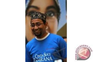 Habiburahman berbagi ilmu di Festival Sastra Islam