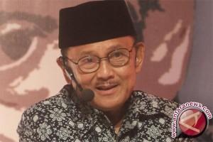 Habibie: Berkumpulnya mantan Presiden simbol persatuan