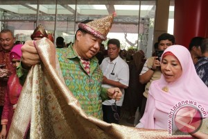 Menkop berharap Asian Games untungkan UKM Songket Palembang