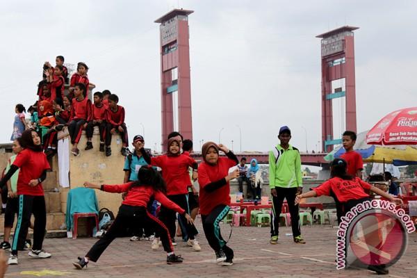 Festival permainan anak tradisional - ANTARA News Sumatera Selatan