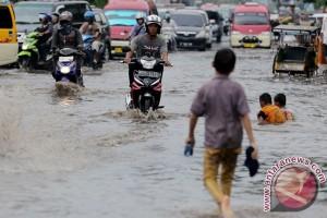 Gubernur Sumsel imbau masyarakat waspadai kemungkinan banjir