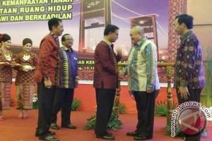 Menteri ATR serahkan sertifikat legalisasi aset