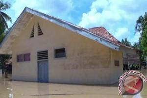 Korban banjir terancam penyakit diare dan gatal-gatal