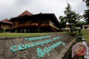 Legislator: Pemprov perhatikan rumah adat di Kabupaten