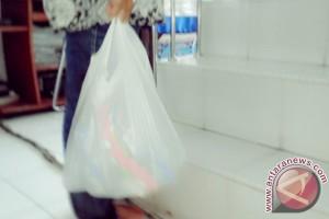 Jangan gunakan kantong kresek berwarna untuk daging kurban