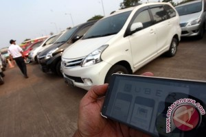 "Polemik taksi konvensional dengan ""online"""