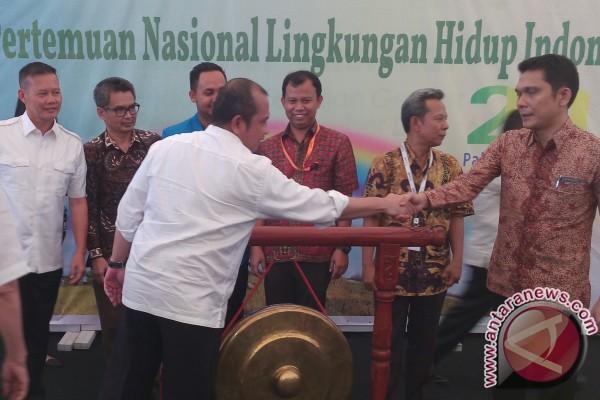 Aktivis Walhi bahas masalah kebakaran hutan di Palembang