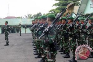 HUT TNI di Palembang dimeriahkan dengan dentuman senjata