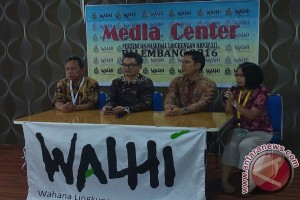 Aktivis Walhi Sumsel Siaga Banjir