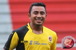 Firman Utina jalani debut sebagai asisten pelatih