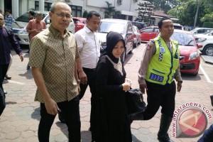 Pahri Azhari divonis tiga tahun penjara