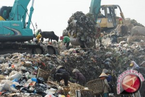 Mengurangi timbunan sampah bersama cacing