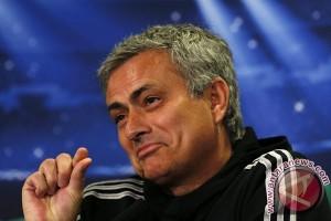 Mourinho bersikukuh bahwa United hanya kurang beruntung