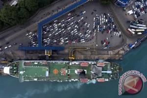 Arus Mudik Lebaran Di Pelabuhan Merak